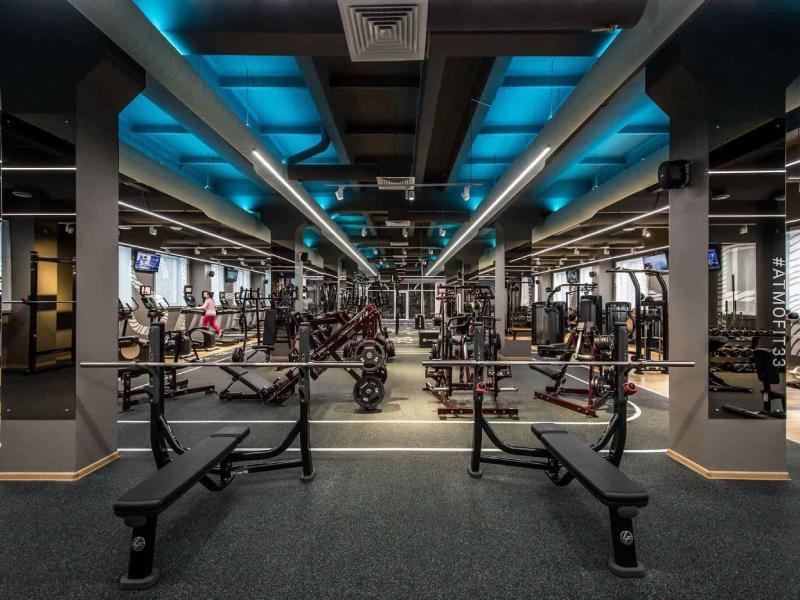 Thiết kế phòng gym đẹp khi kết hợp ánh sáng nhân tạo
