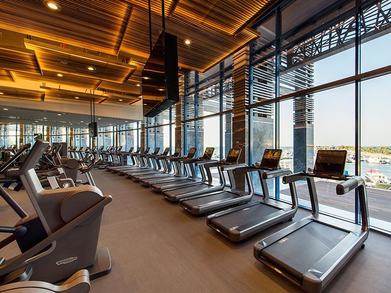 Mẫu thiết kế phòng tập gym khách sạn hướng biển