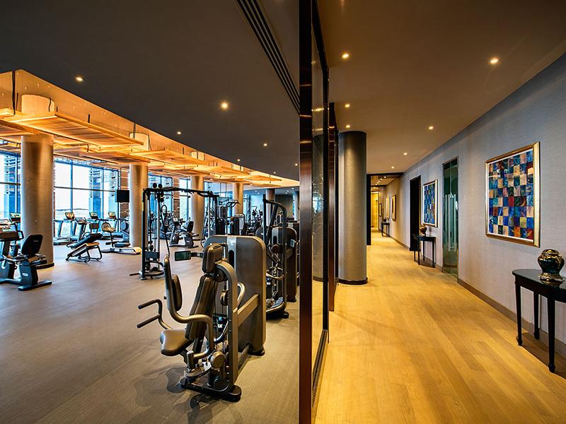 Mẫu thiết kế phòng tập gym khách sạn kêt hợp ánh sáng