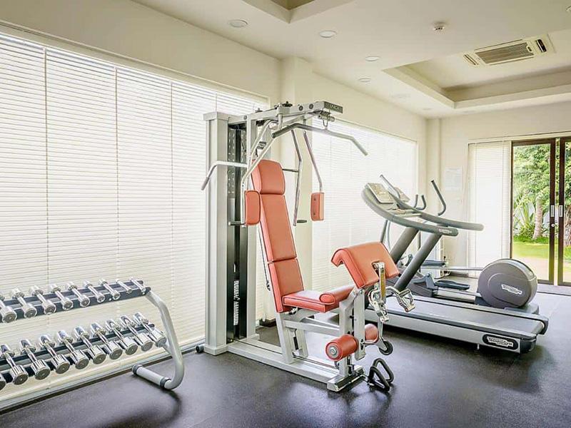 Mẫu phòng gym resort giản đơn