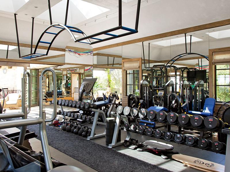 Những mẫu thiết kế phòng gym đẹp nhất 2020