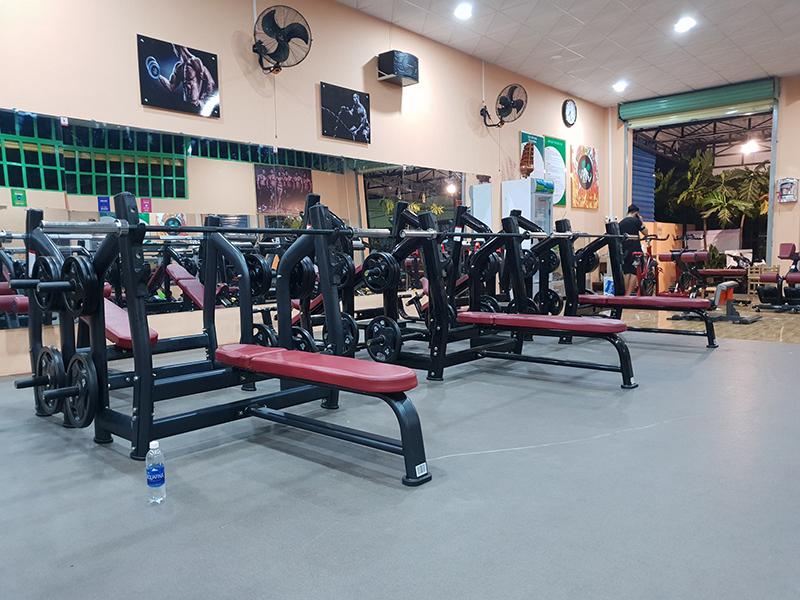 Mẫu thiết kế phòng gym bình dân