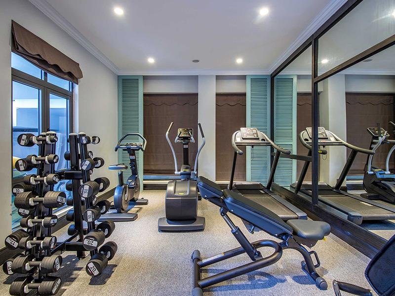 Mẫu phòng gym tại nhà sử dụng gương phản chiếu