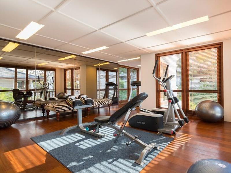 Mẫu thiết kế phòng gym sang trọng với không gian mở