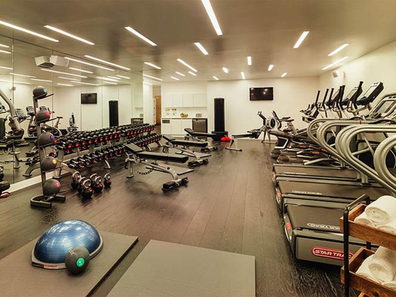 Trang bị đa dạng các thiết bị phòng gym khách sạn