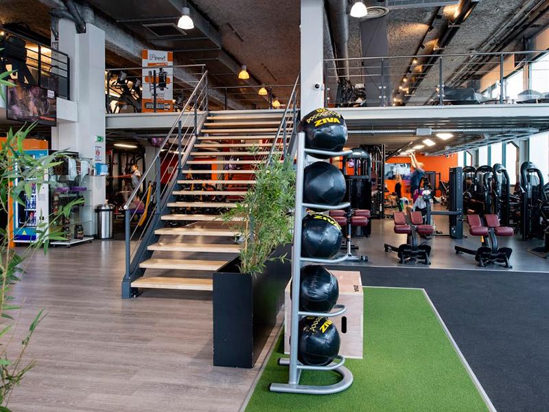 Mẫu thiế kế phòng gym ân tượng với thiết kế đa năng đủ tiện ích