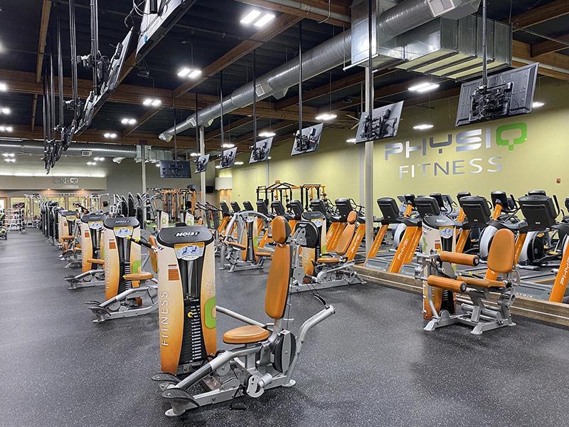 Mẫu thiết kế phòng gym màu vàng 3