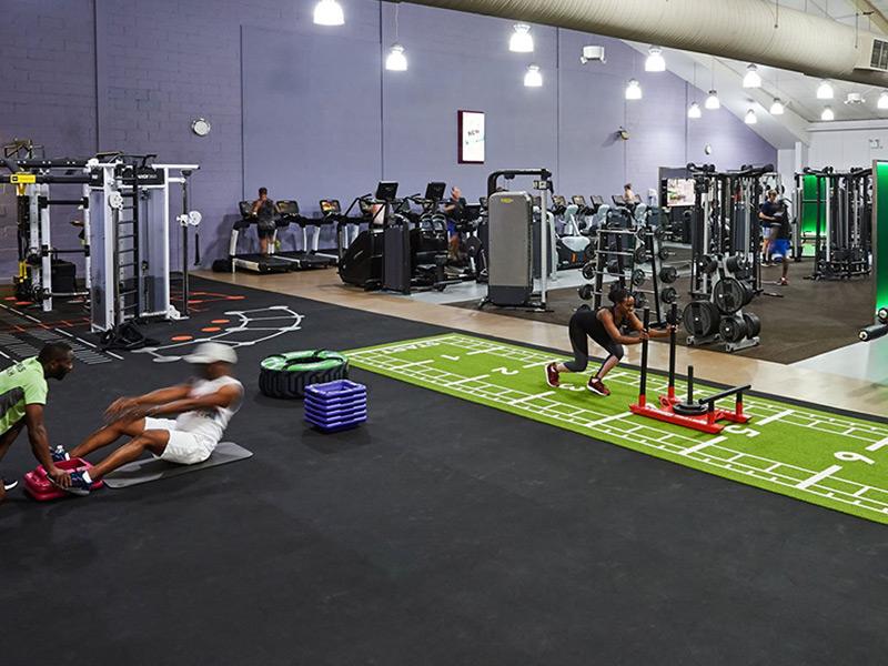 Setup phòng gym đúng phong thủy với lối đi rộng rãi